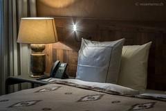 Schlafzimmer Bett im Valsana Hotel & Appartements Arosa