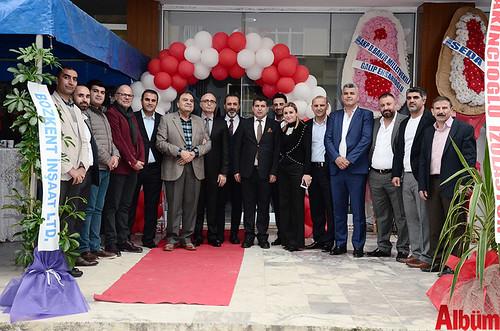 ALDODER Başkanı Seyithan Aladağ ve Yönetim Kurulu üyeleri Albüm için poz verdi.