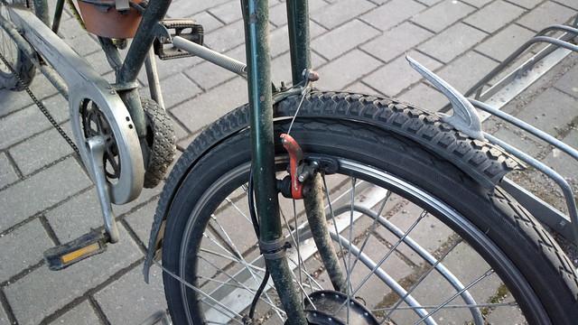 Bikehack: tyre mudguards and a plantpot