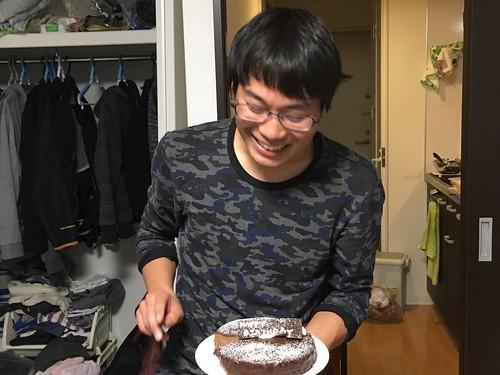 以下松谷 誕生日って誰かが祝われてると自分が祝われなかった時悲しくなるじゃないですか、だから今日はみんなのハッピーバースデイです