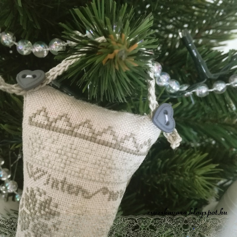 christmas stocking, heartstring samplery, cross stitch (2)