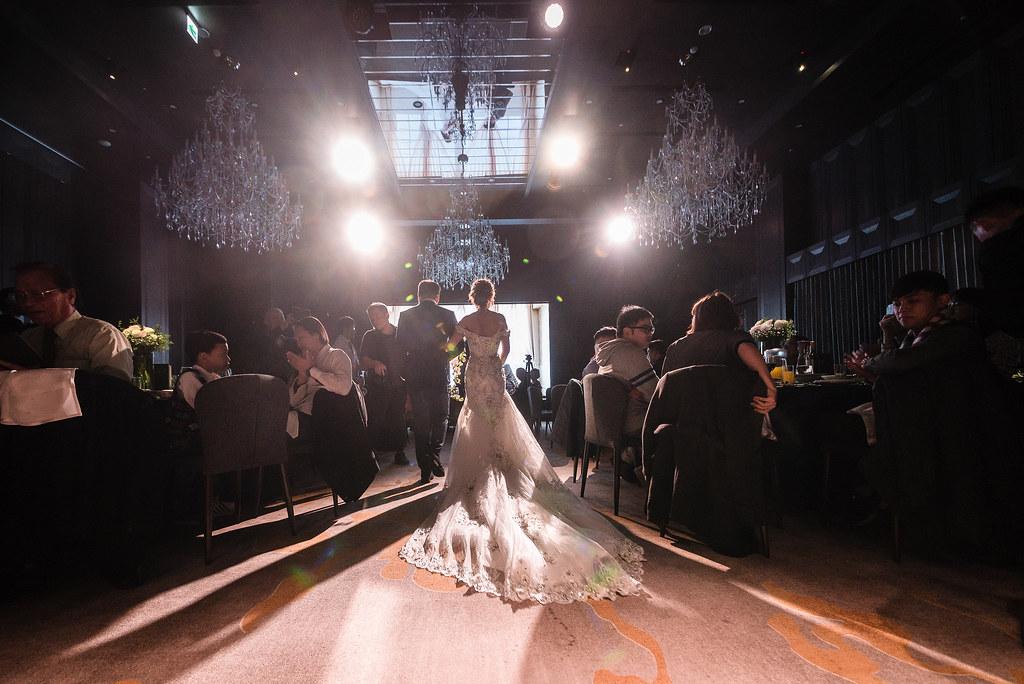 台中婚紗拍攝,台中婚攝,找婚攝,婚攝ED,婚攝推薦,意識影像,婚紗攝影,台中市婚禮拍攝,中部婚禮攝影,婚紗,edstudio,萊特薇庭 light wedding,證婚庭,找婚攝