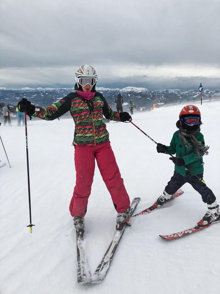 катаемся на лыжах