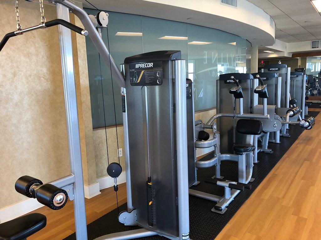 Hilton Americas-Houston Pool and Gym 12