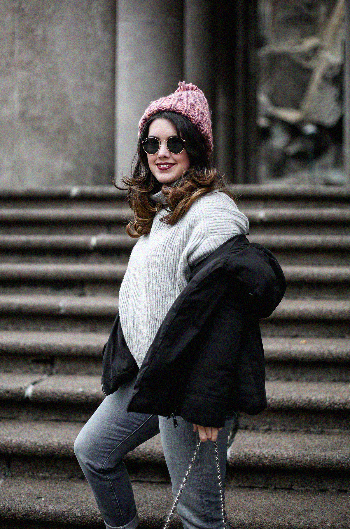 puffer-coat-grey-sweater-look-streetstyle14
