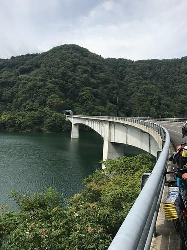 ダウンして徳山湖