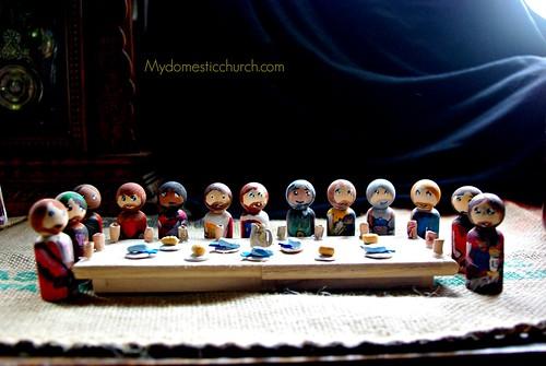 Apostles at the last supper peg saints
