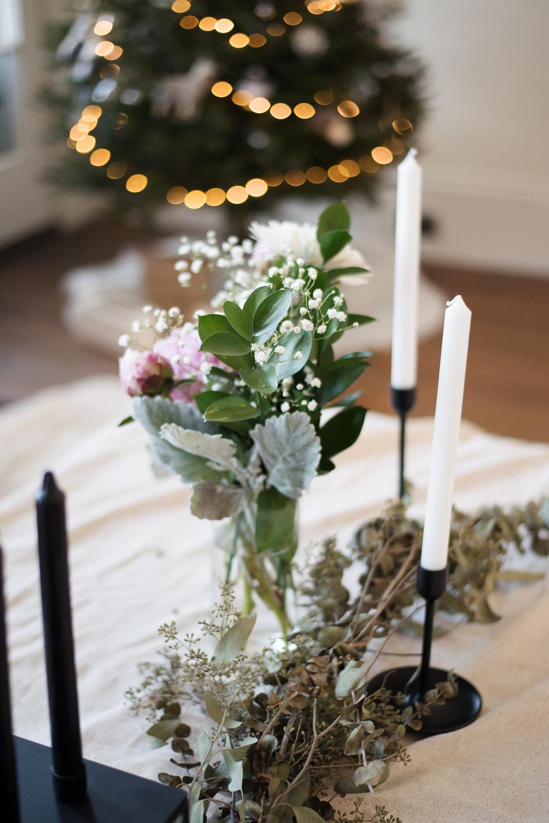 Christmas Table Settings on juliettelaura.blogspot.com