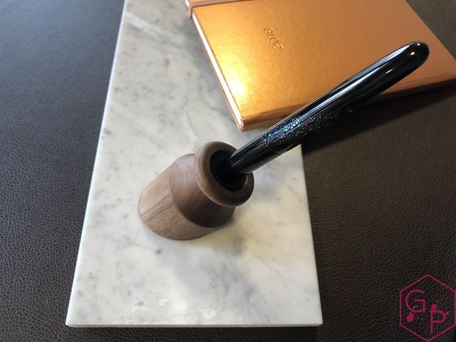 Review @PenwellCo Walnut Pen Desk Stand 9