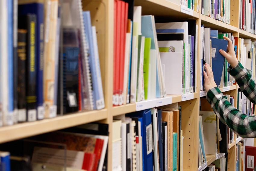 Opiskeluvinkkejä vinkkejä opiskeluun lukioon kirjoituksiin koeviikolle kokeisiin lukemiseen studying student-2524