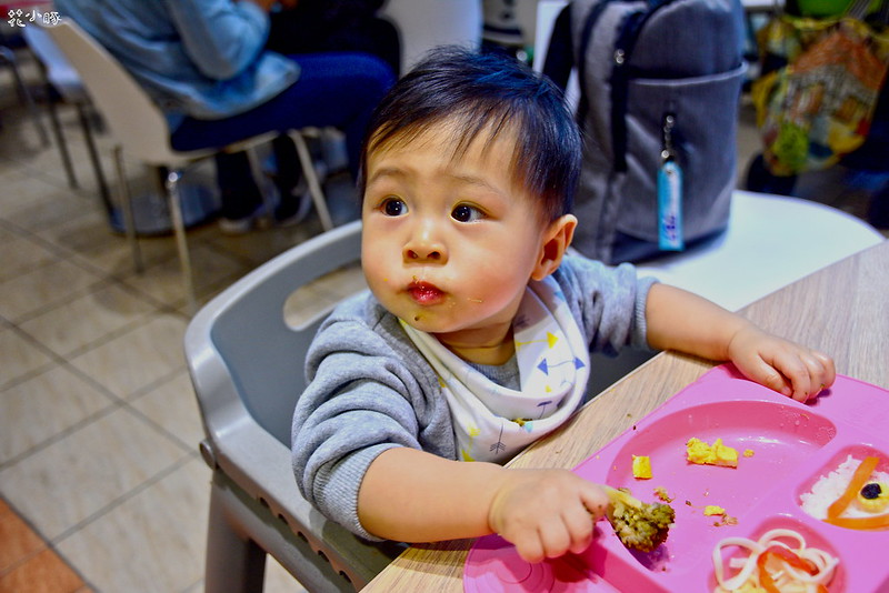 easymat餐盤防拔嬰兒餐具吸盤嬰兒餐具推薦嬰兒副食品餐具推薦EasyMat防滑矽膠餐盤 (32)
