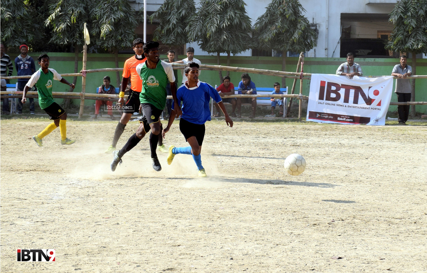 FOOTBALL-MATCH-(15)