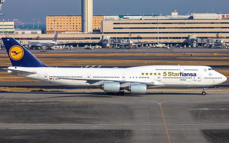 """""""5 Starhansa"""" special paint Boeing 747-830 - Lufthansa"""