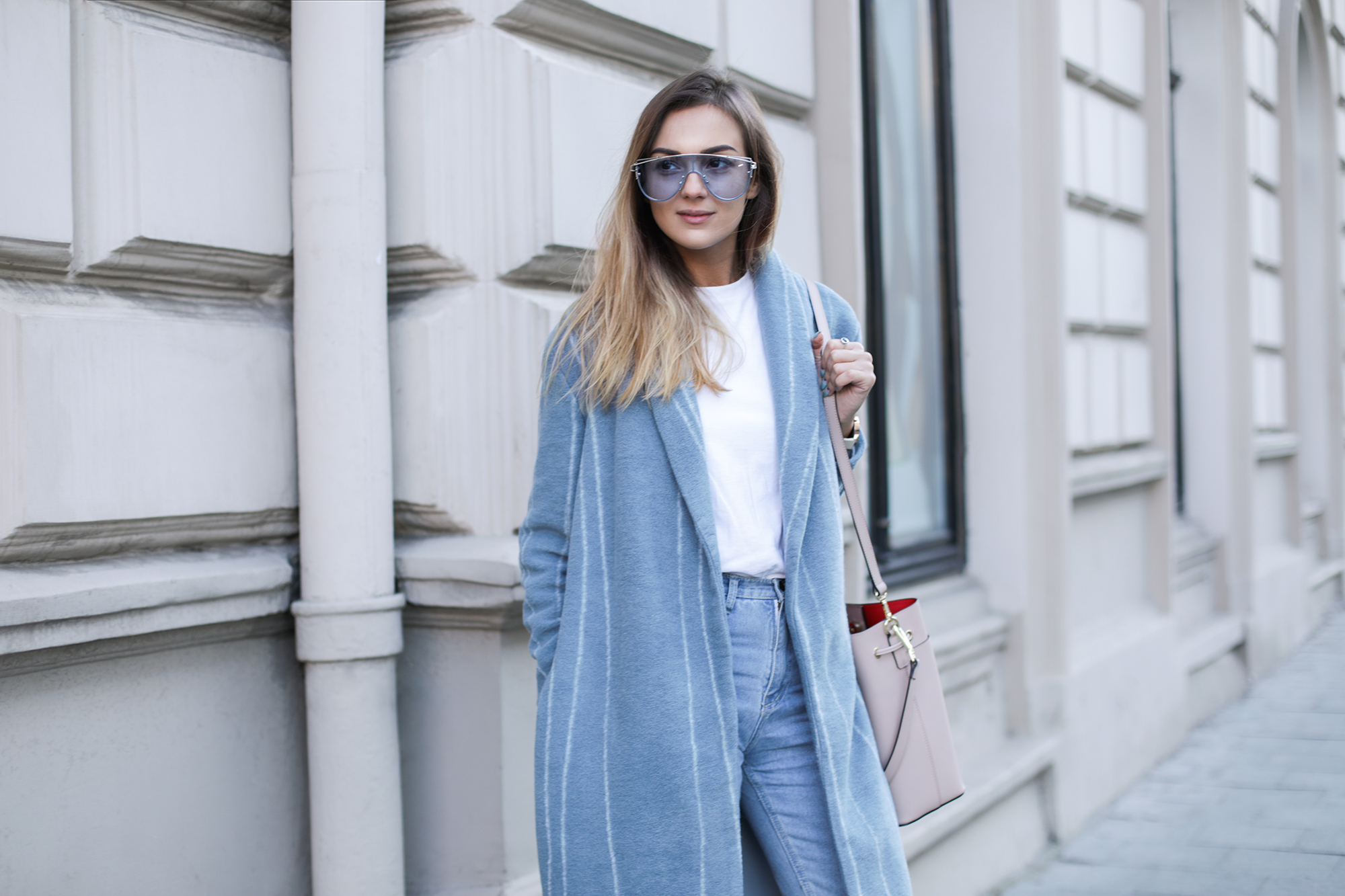 fashoin-look-pastel-blue-coat-outfit-ideas