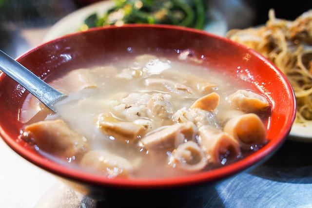 鄭記四神湯|台北通化臨江街夜市–美味四神湯與切盤