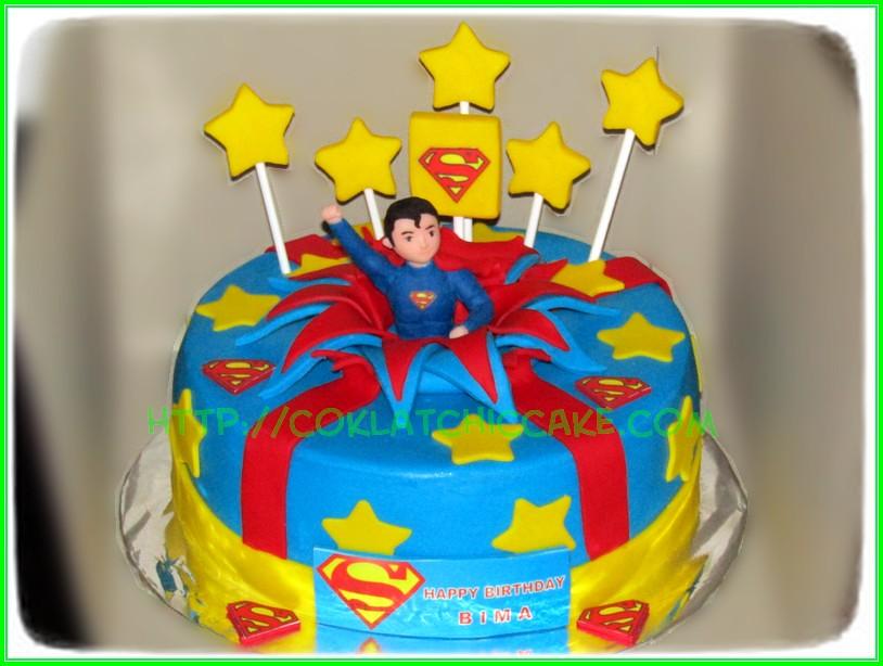 Cake Superman - BIMA