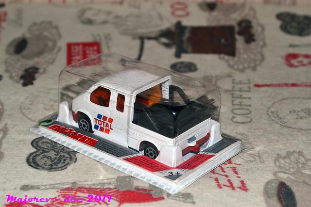 N°230 - Ford Transit Custom Tow Truck 27692204349_833e665357_z