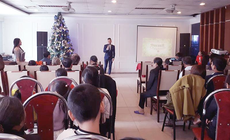 Hội Thánh Sơn Tây truyền giảng Giáng sinh có gần 100 người tham dựu (2)