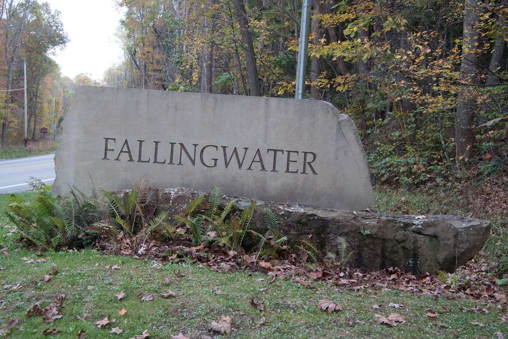 Fallingwater entrance sign from road