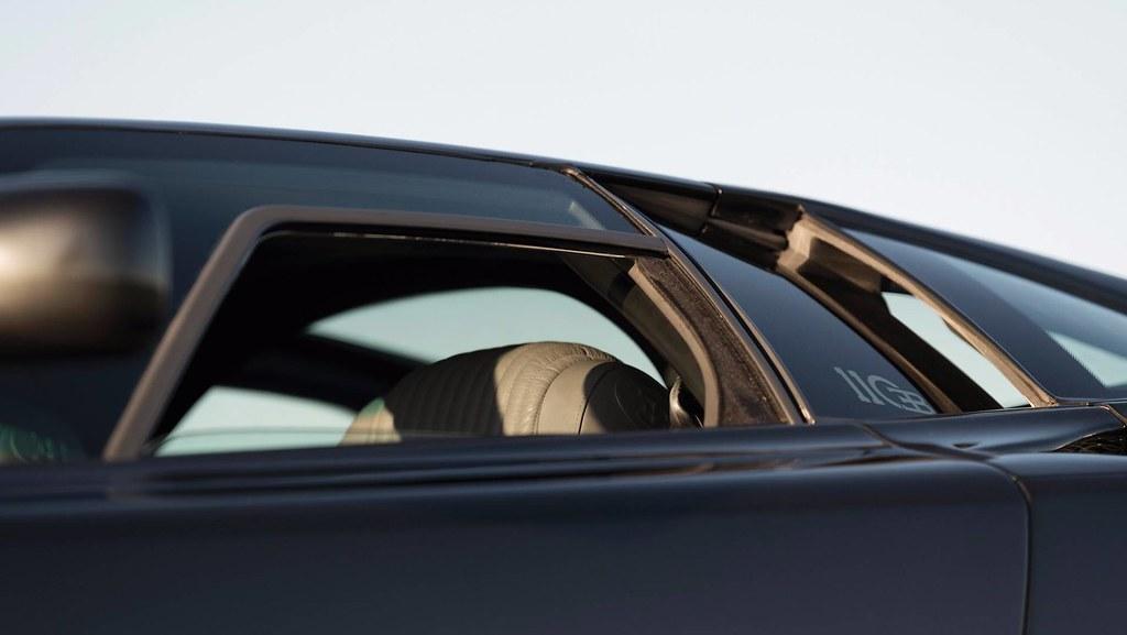 1993-bugatti-eb110-auction (5)