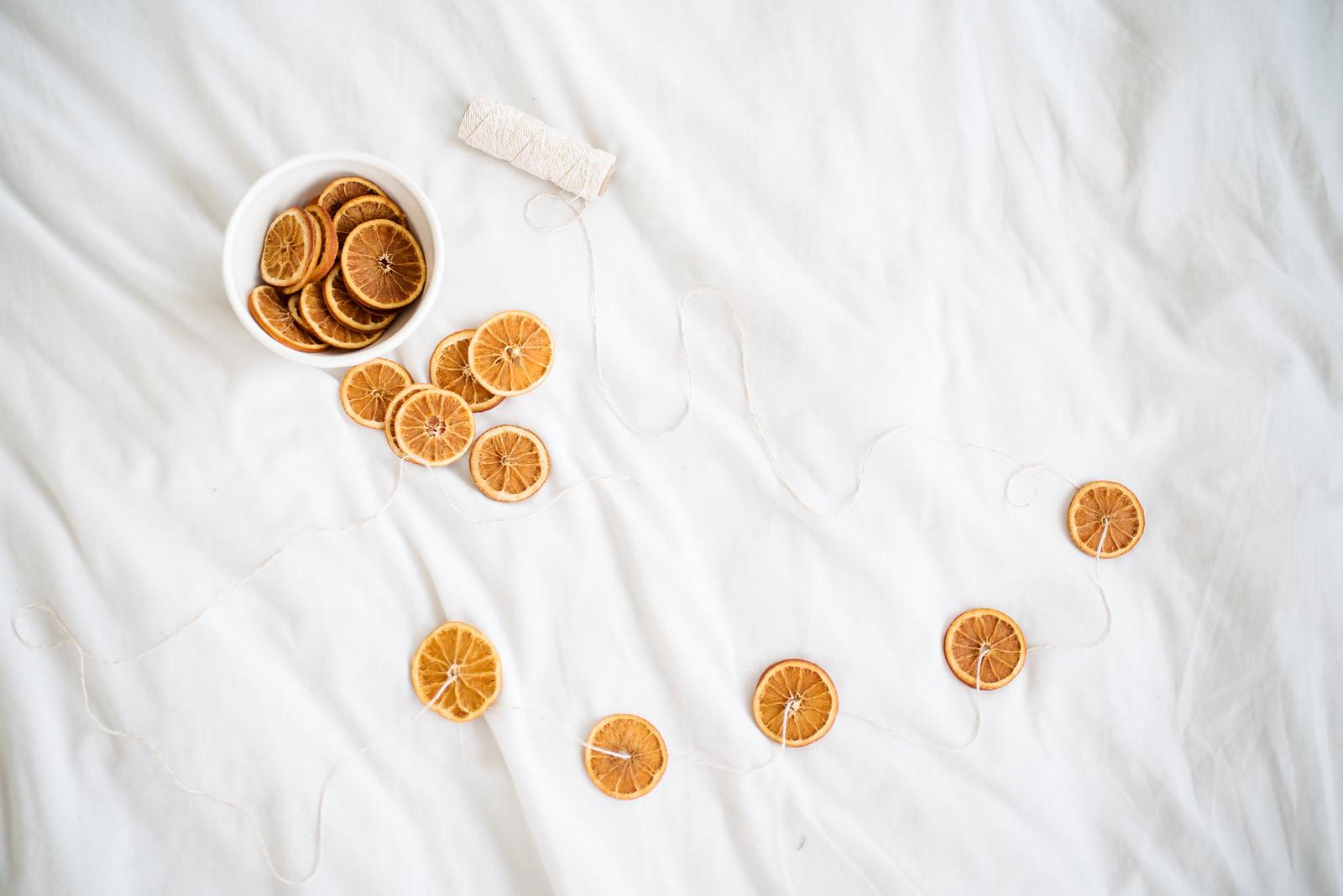How To Dry Oranges on juliettelaura.blogspot.com