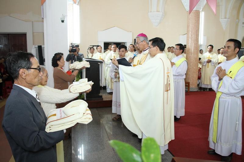 Thánh Lễ Truyền Chức Linh Mục Giáo Phận Qui Nhơn - Ảnh minh hoạ 83