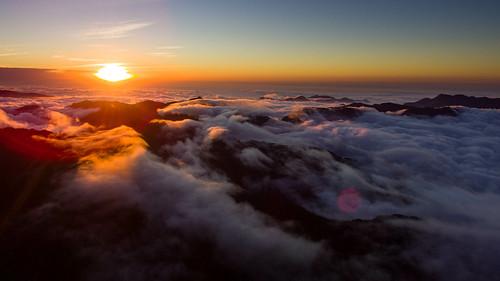 clouds taiwan yushan drone