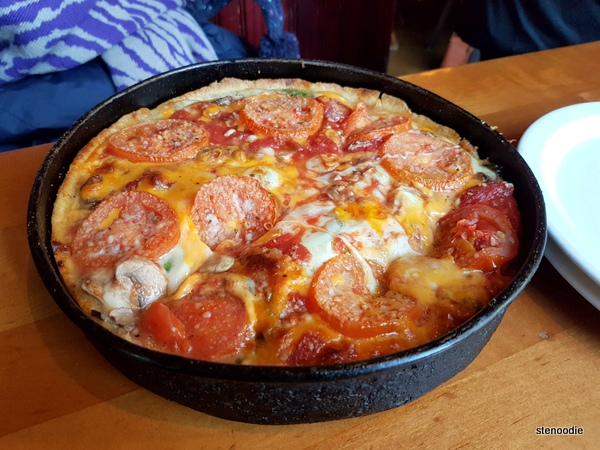 "The ""Lou"" pizza"