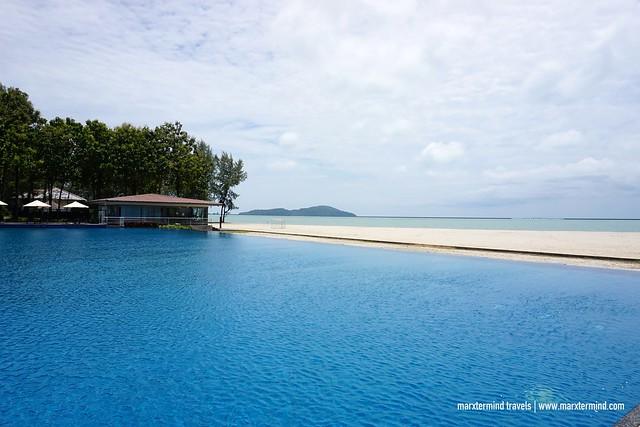 Century Langkasuka Resort Infinity Pool