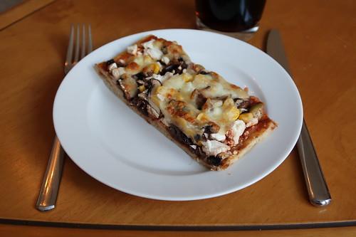 Letztes Stück der Raclettereste-Pizza