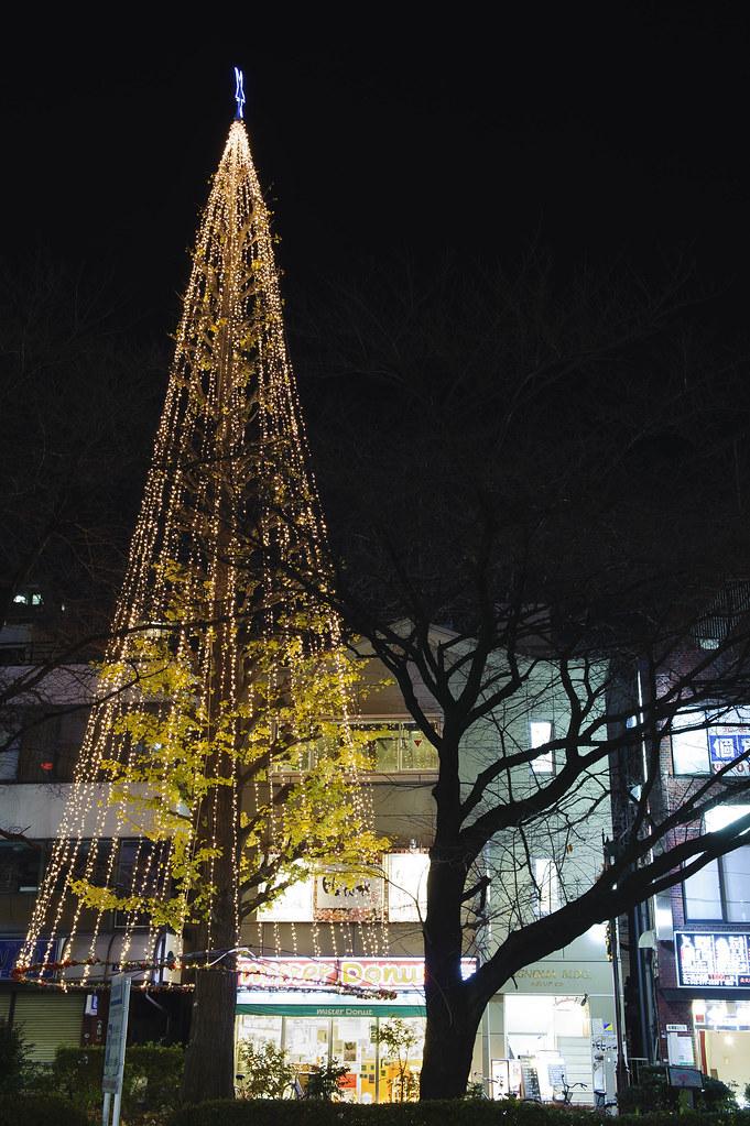 ミスドとクリスマスツリー