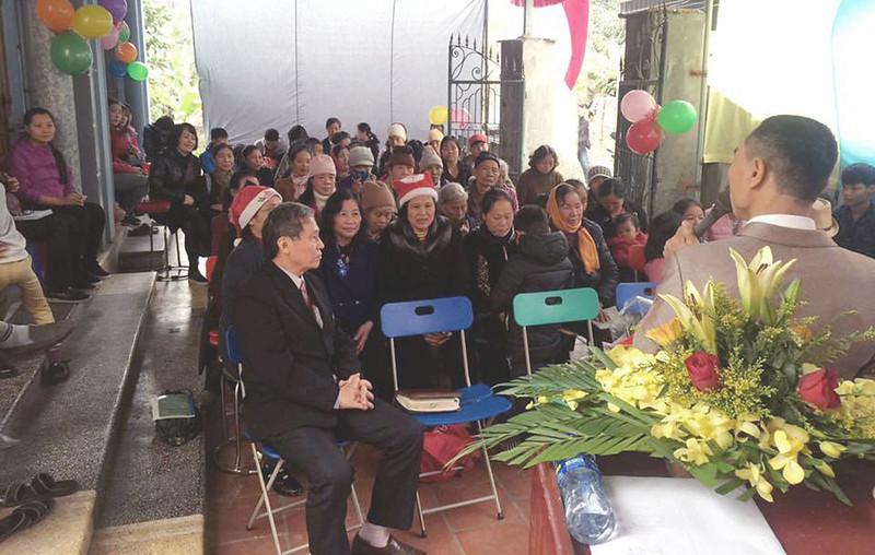 Hội Thánh Hải Dương truyền giảng GIáng sinh khoảng 50 người tham dự