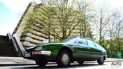 Citroën CX metallic green Series 1