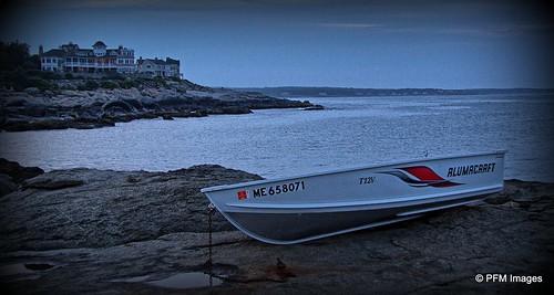 view viewpoint hotel boat low tide ocean nubblelight capeneddick dusk dark maine coast coastal sea seaside outdoor rocks evening waves canon eos 7d slr water sky rock bay