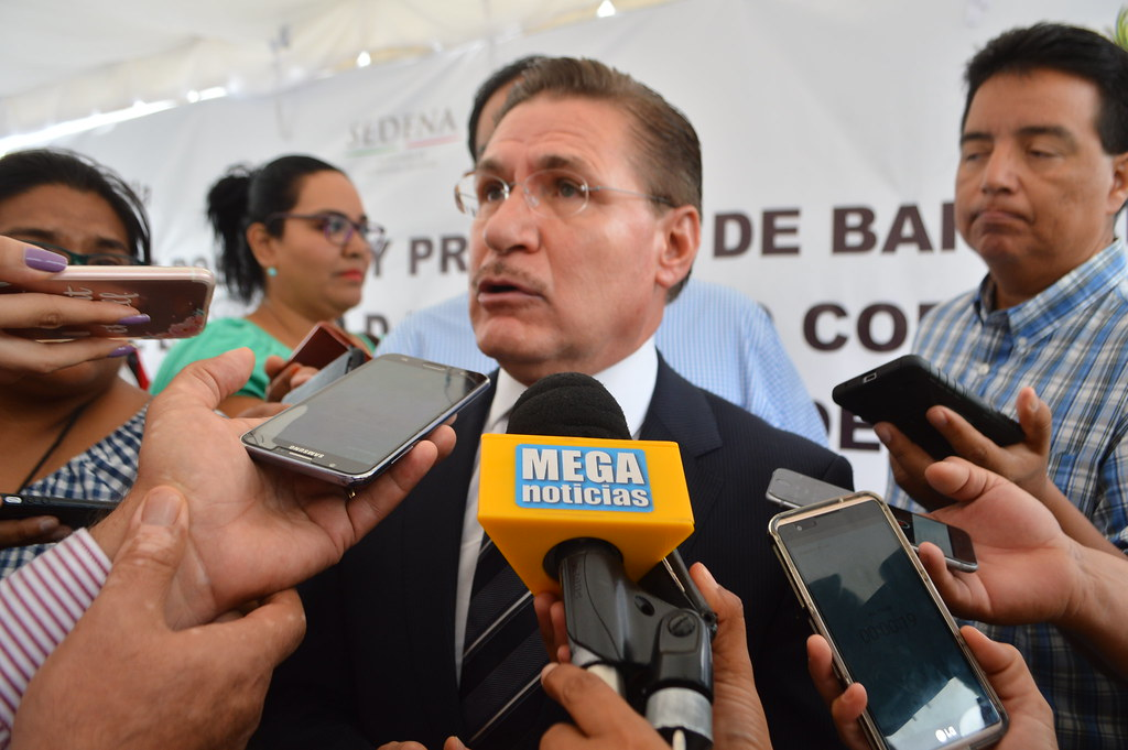 PÁG. 2 (2). En Durango, el gobernador José Aispuro Torres utiliza las pruebas de desvíos millonarios para obligar a líderes de partidos satélites del PRI a realizar acciones para satisfa