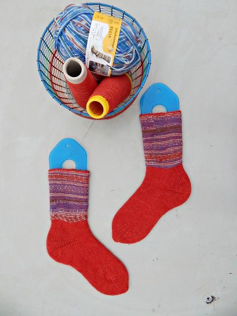 носки с пяткой углублённым бумерангом с клином | short row heel with gusset socks 1