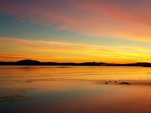 sunrise winter lake laugarvatn iceland oeiriks hekla