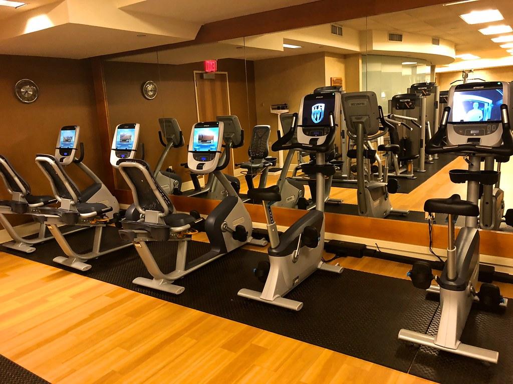 Hilton Americas-Houston Pool and Gym 13