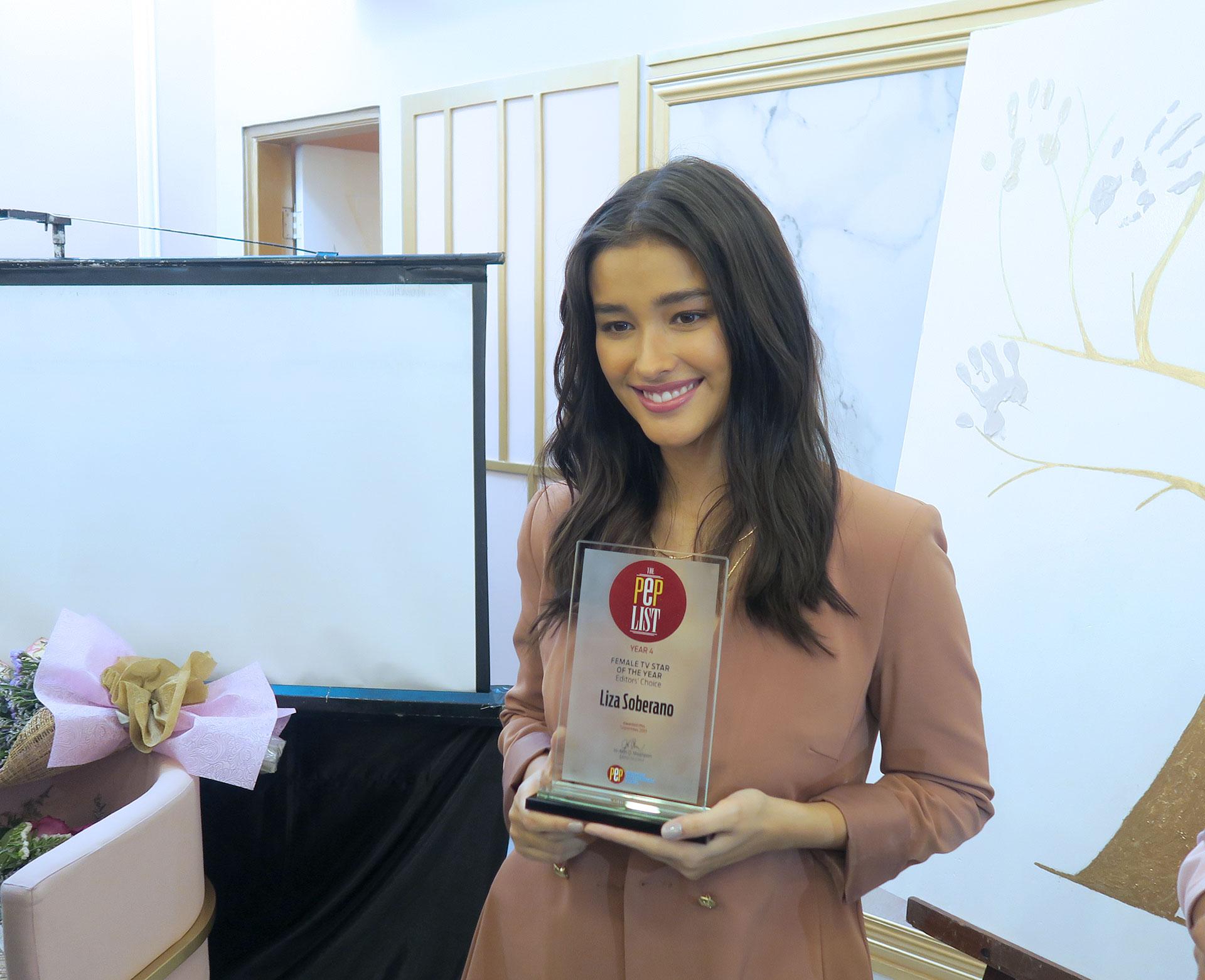 12 Liza Soberano Hope Wellness Grand Launch - Gen-zel She Sings Beauty