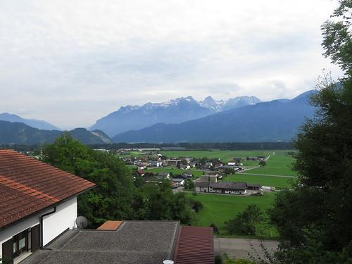 20170614 04 338 Jakobus Thüringen Berge Schnee Häuser Wald Weg