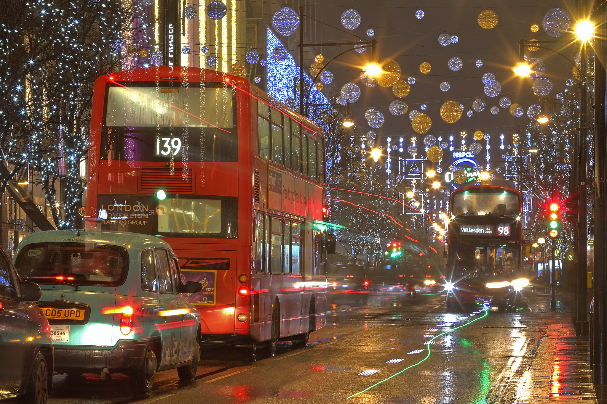 Natale piovoso / Rainy Christmas (Oxford Street, London, United Kingdom)(Buon Natale!!!/Merry Christamas!!!)