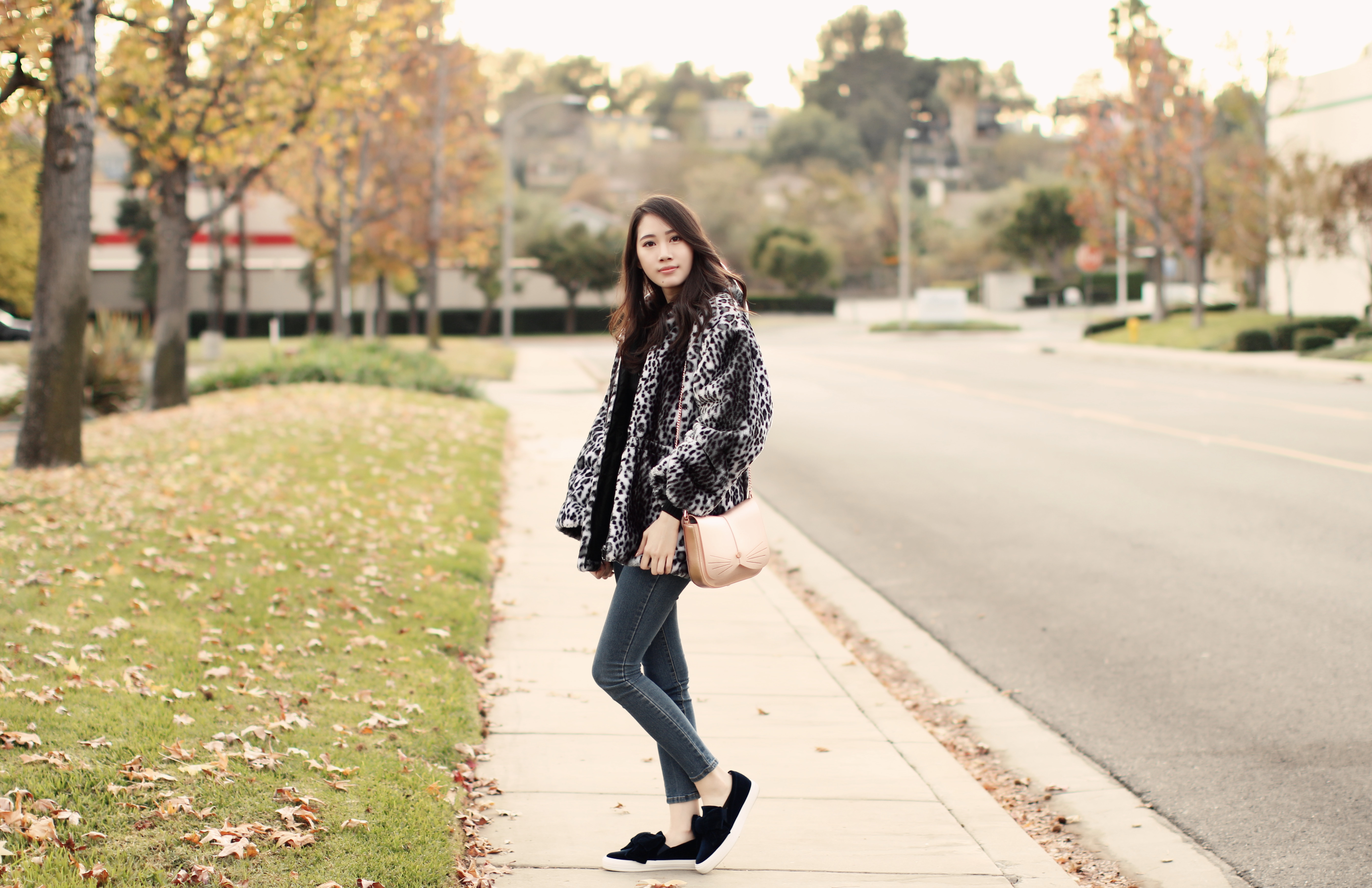 4049-ootd-fashion-style-outfitoftheday-wiwt-streetstyle-furcoat-fauxfur-forever21-f21xme-hollister-hcostylescene-elizabeeetht-clothestoyouuu
