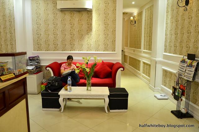 halfwhiteboy - la beaute de hanoi hotel vietnam 05
