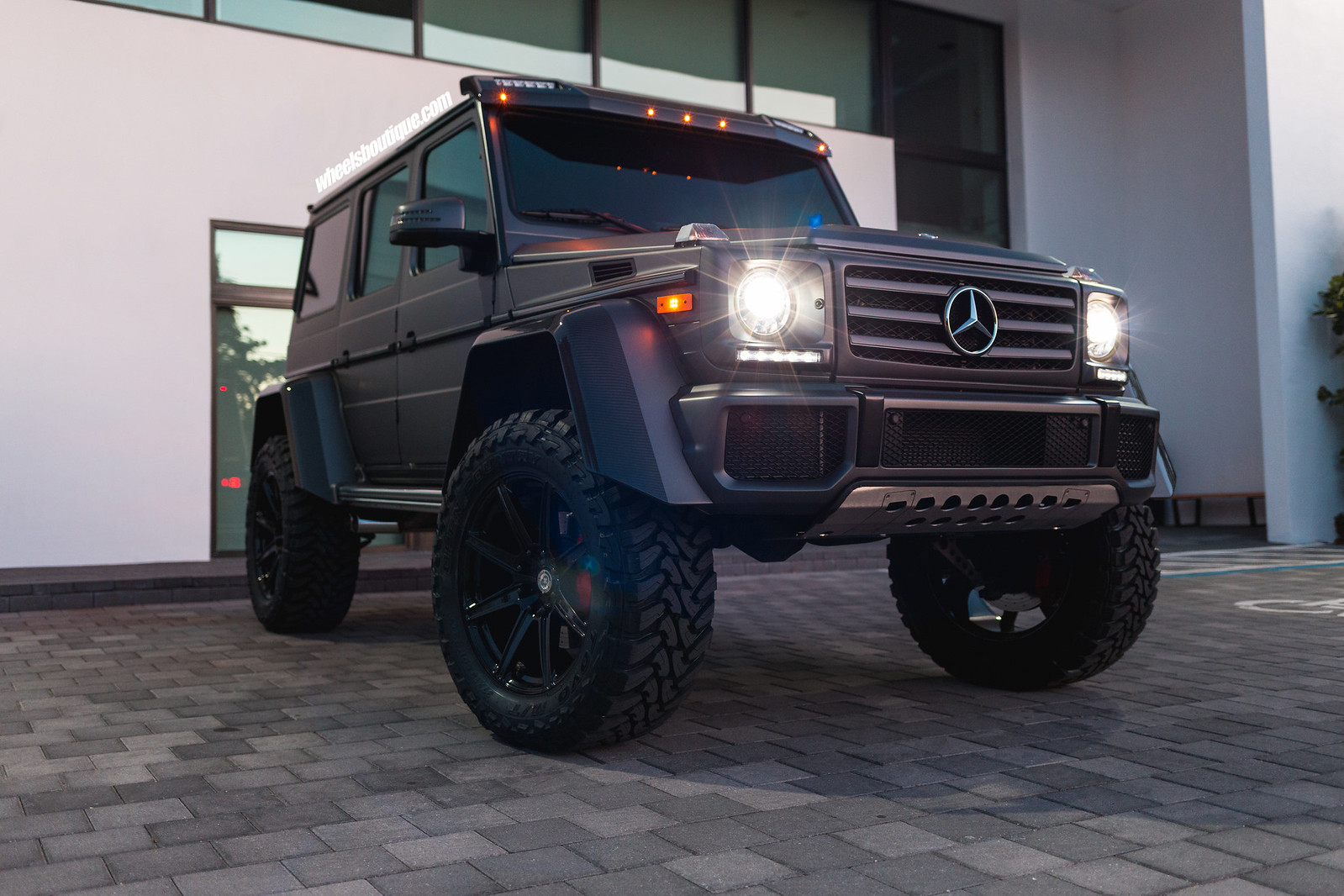 is this battleship gray g550 4x4 squared the ultimate. Black Bedroom Furniture Sets. Home Design Ideas
