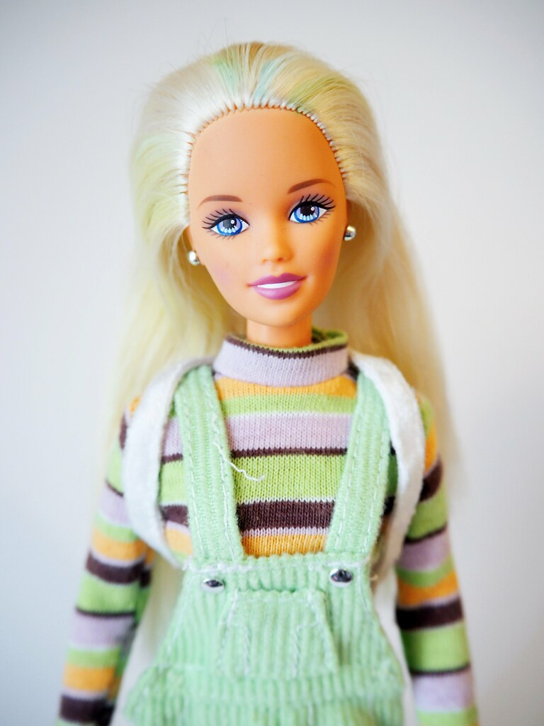 Stud spills barbie extreme green teen women