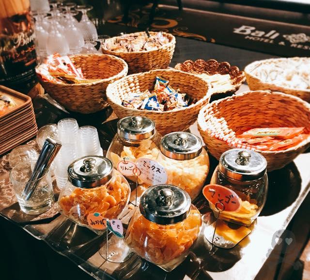 バリアンリゾートはワインもドライフルーツもお菓子も無料で食べ放題だぜ