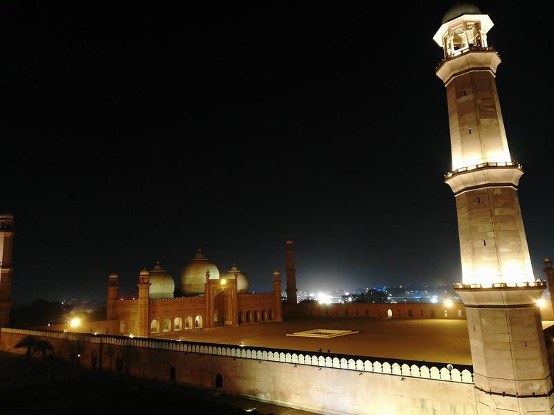 Badshahi Mosque, Lahore with Mate 10 Lite