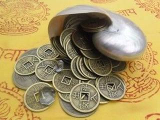 muchas monedas chinas