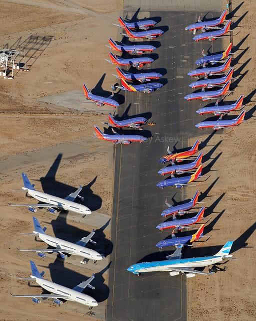 Southwest and Aerolineas Argentinas aircraft, KVCV, December 2017