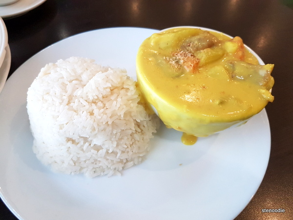 Chicken in Portuguese Style with Rice